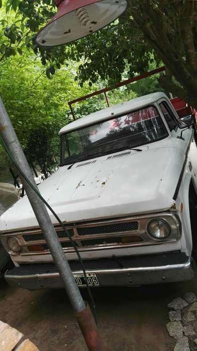 Vendo-permuto Dodge L100 Mod 77 Motor Pe