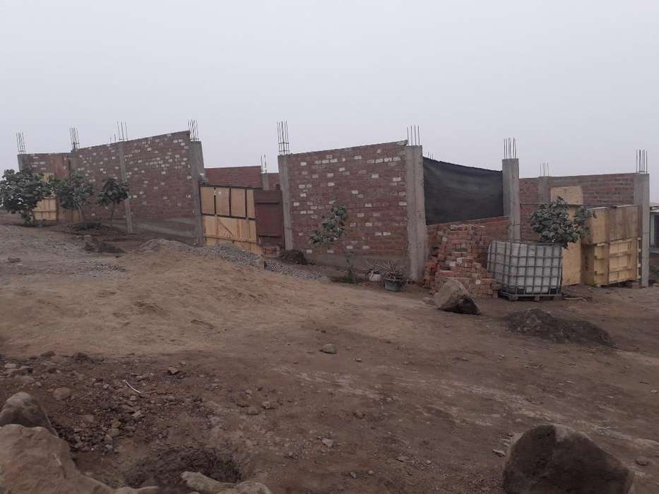 Terreno en Carabayllo 180 M2 Y 105 M2