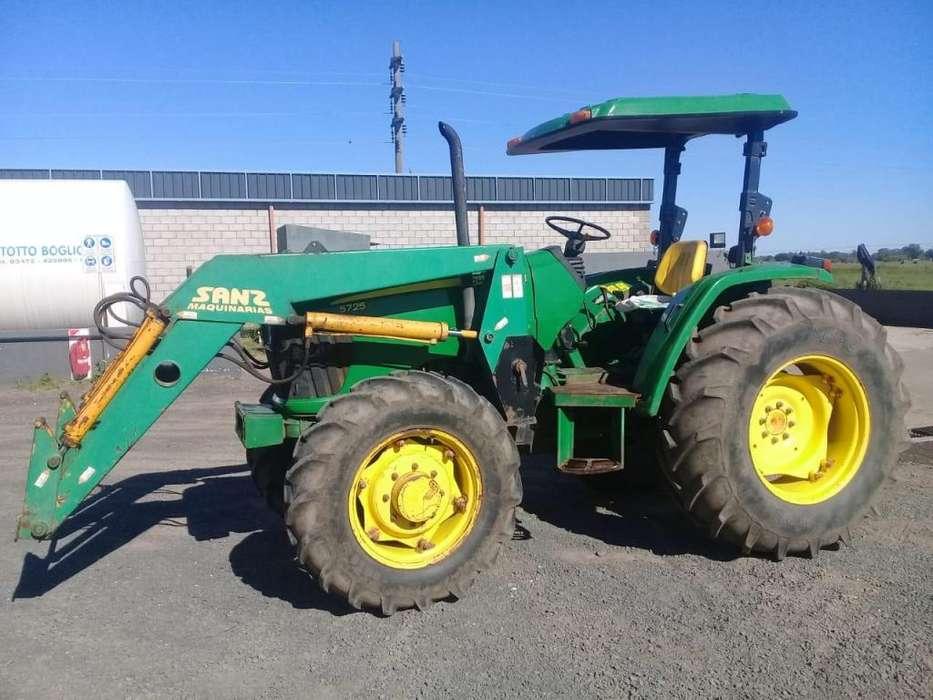 John Deere 5725 con pala 89 hp
