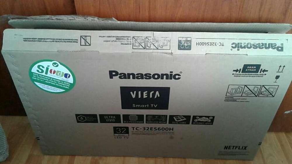 <strong>televisor</strong> panasonic de 32 smart tv con tdt bluetooh como nuevo en su caja y sus plasticos