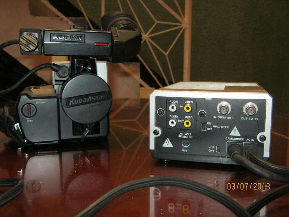 Cámara de vídeo Kodavision Series 2000 Model 2400