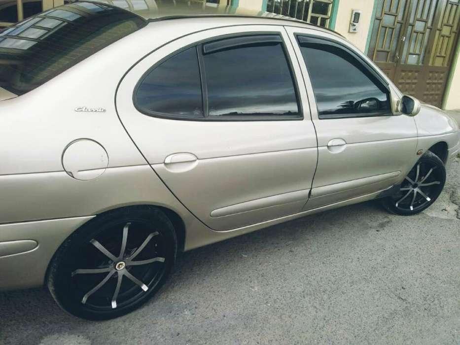 Renault Megane  2004 - 100 km