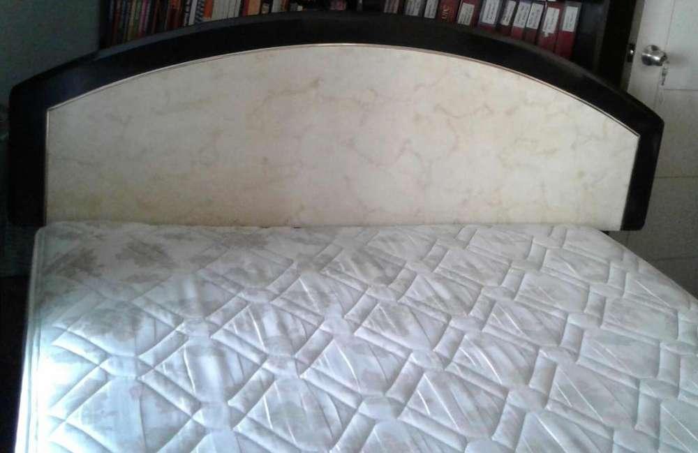 Juego dormitorio casi nuevo