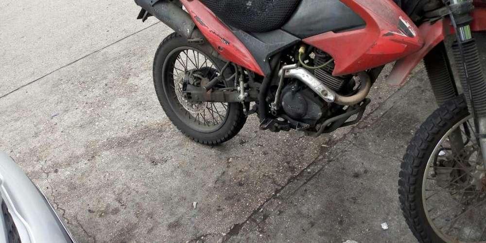 Moto Y Triciclo de Oportunidad