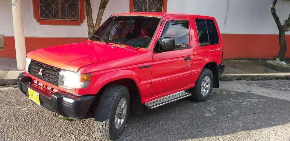 Mitsubishi Montero 1995 - 200000 km