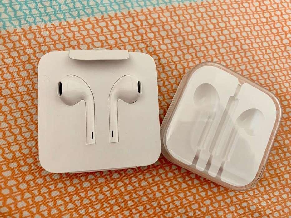 Vendo Audífonos iPhone Xr Originales, Sin Uso Alguno.