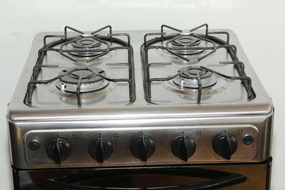Estufa con horno eléctrica y gas