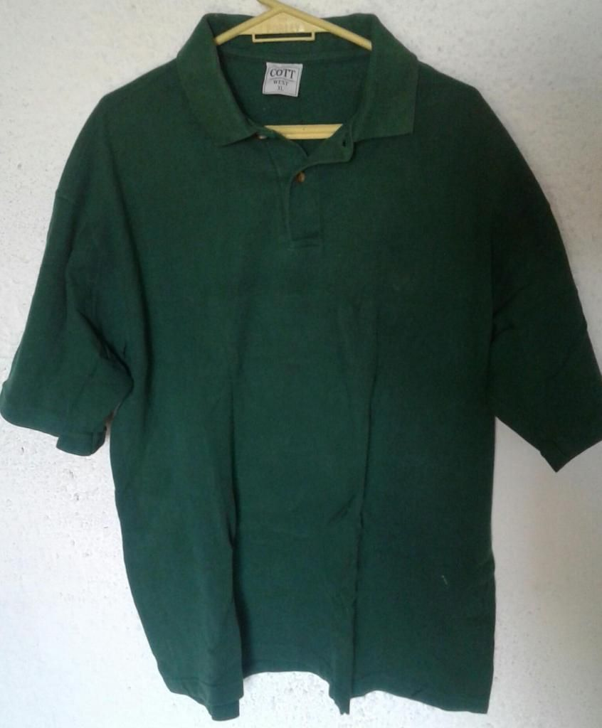 Remera verde oscura Cott West XL.