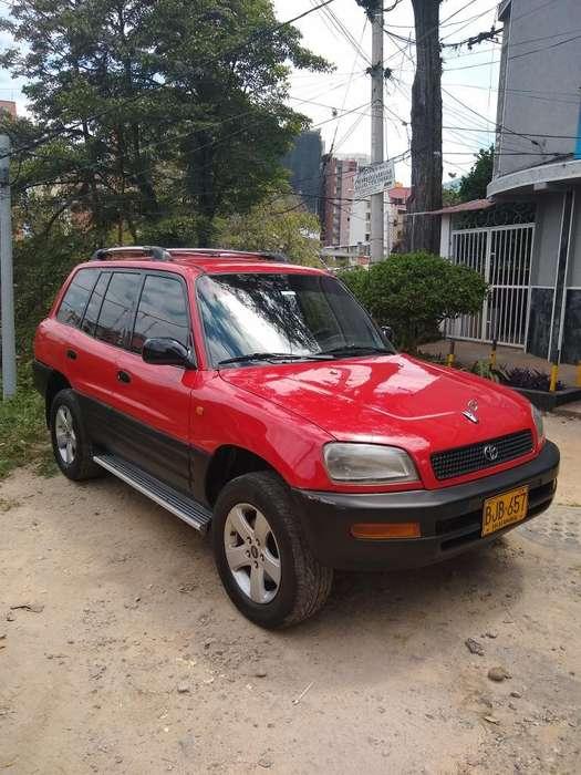 Toyota RAV4 1997 - 284000 km