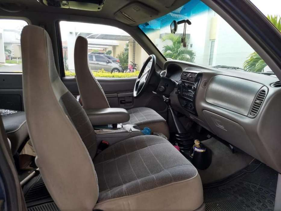 Ford Explorer 1998 - 253000 km