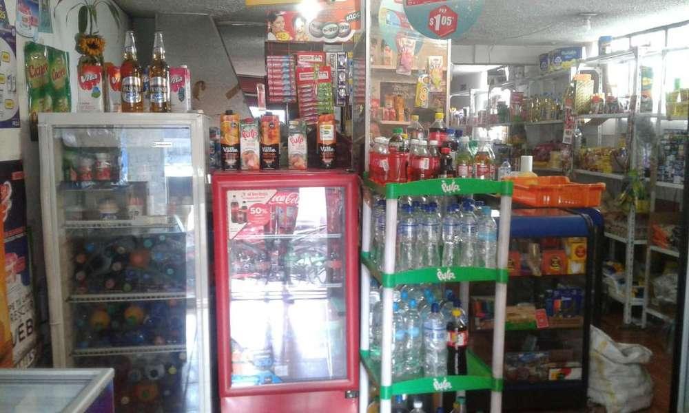 Venta de tienda de abarrotes, sector norte de Quito
