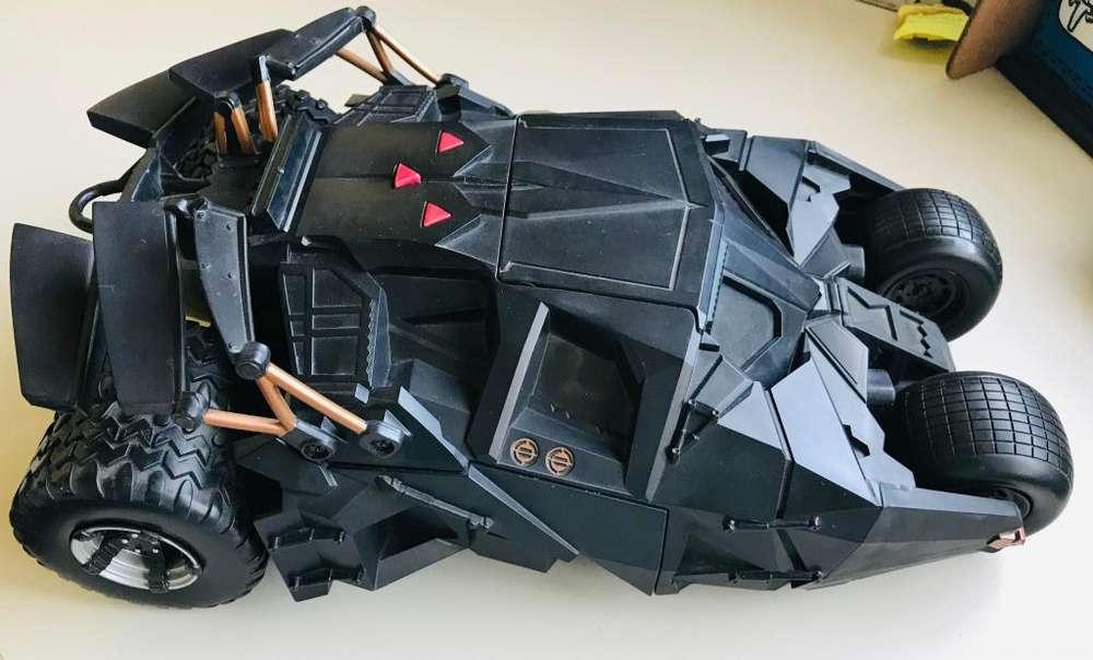 """Batimovil Mattel """"Batman Inicia"""" con luces y sonido– """"Acrobata"""" Figura de acción – Escala 1/18"""