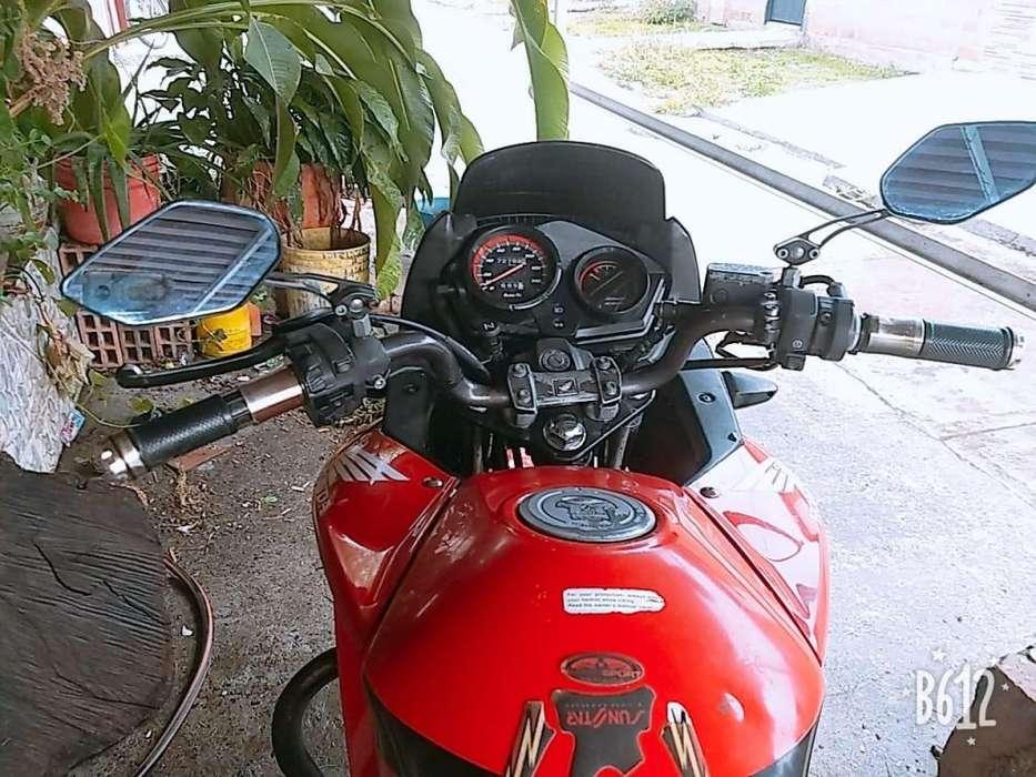Vendo Moto Hermosa en Cartago