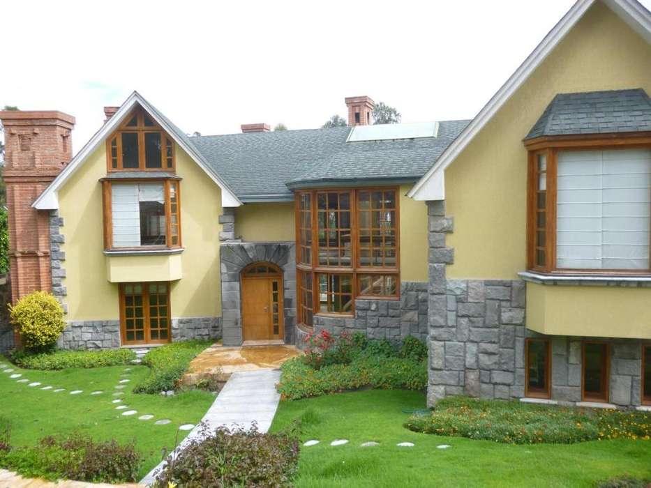 Renta casa en Campo Alegre junto Academia Cotopaxi cerca Av Granados y Av Eloy Alfaro
