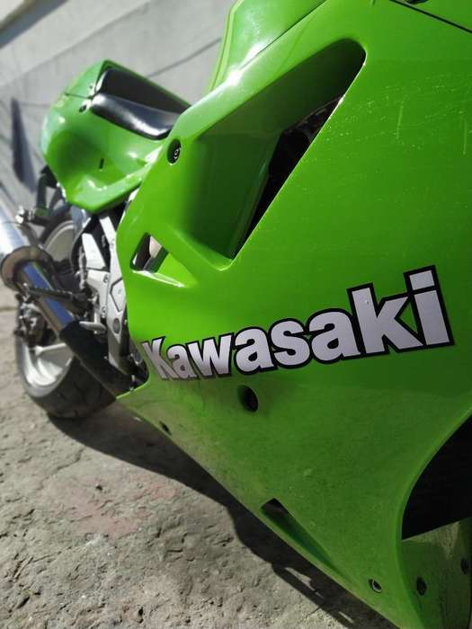 <strong>kawasaki</strong> Zxr 750