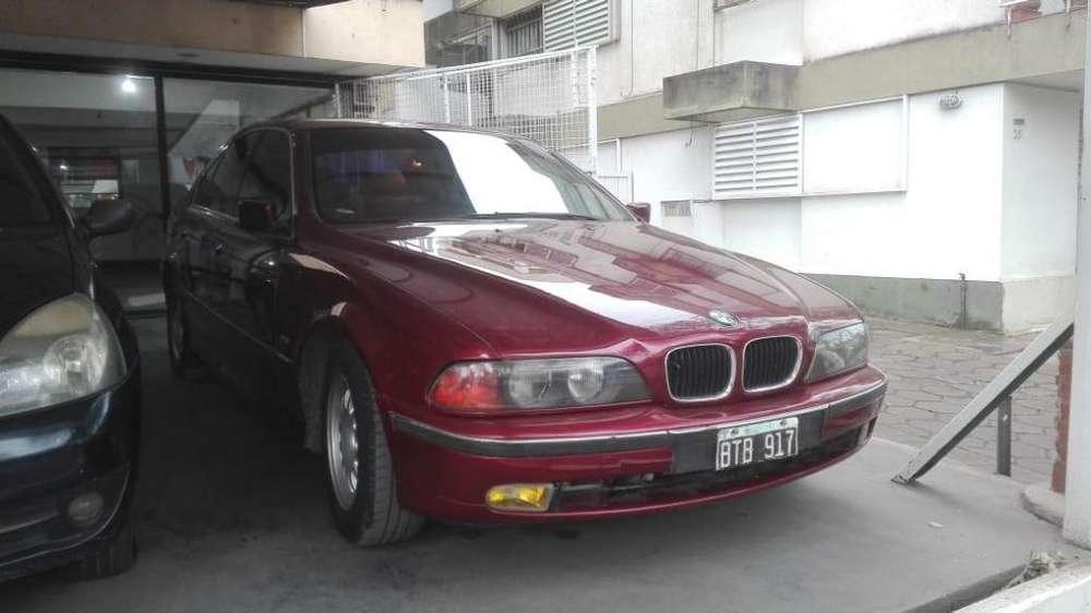 BMW Série 5 1998 - 240000 km