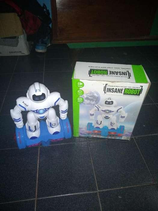 Vendo Robot Juguete
