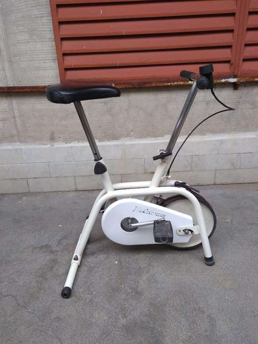Bicicleta Fija Regulable