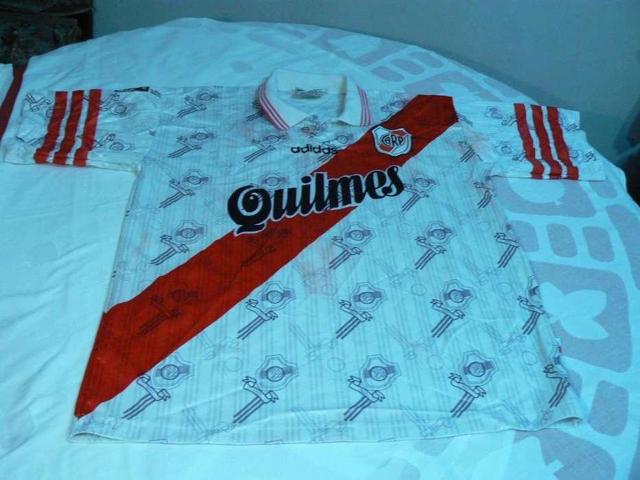 Camiseta Titular de River Plate Adidas Temporada 1997 - Talle 3 de Adulto. 100% Original.