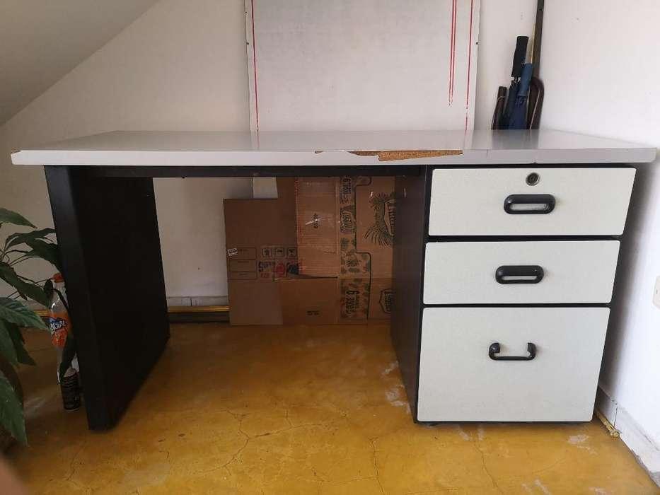 Vendo <strong>escritorio</strong> de Estudio