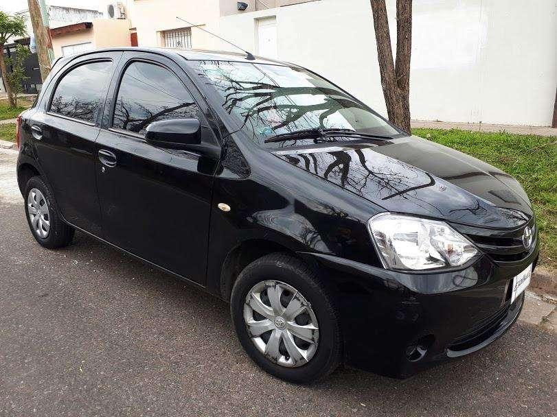 Toyota Etios 2014 - 42300 km
