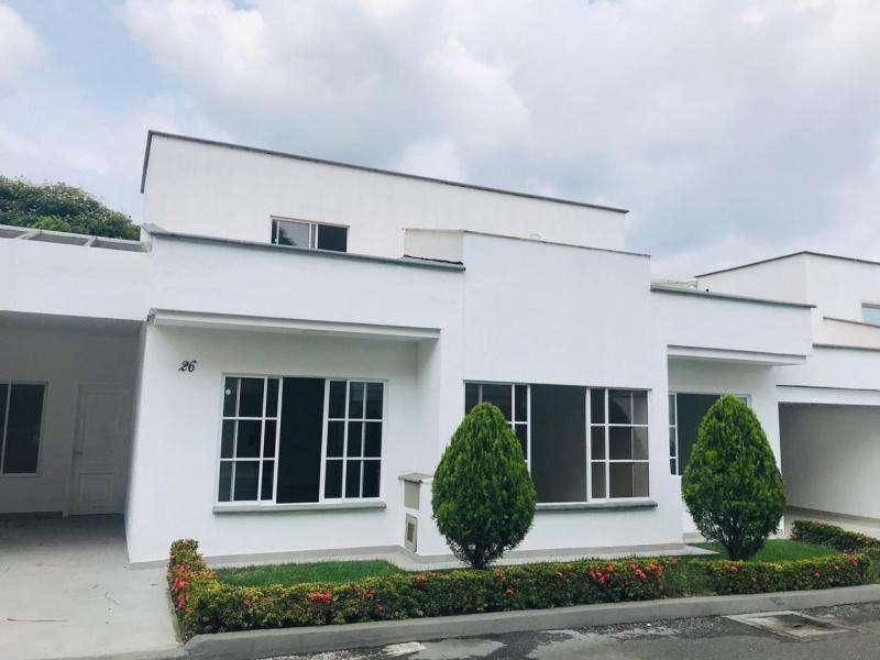 Casa Condominio En Venta En Cali <strong>ciudad</strong> Jardín Cod. VBSBI11450