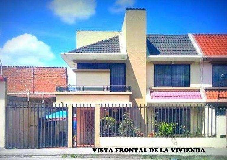 Casa independiente en Venta en la Argelia-Loja, cerca de la Universidad Nacional