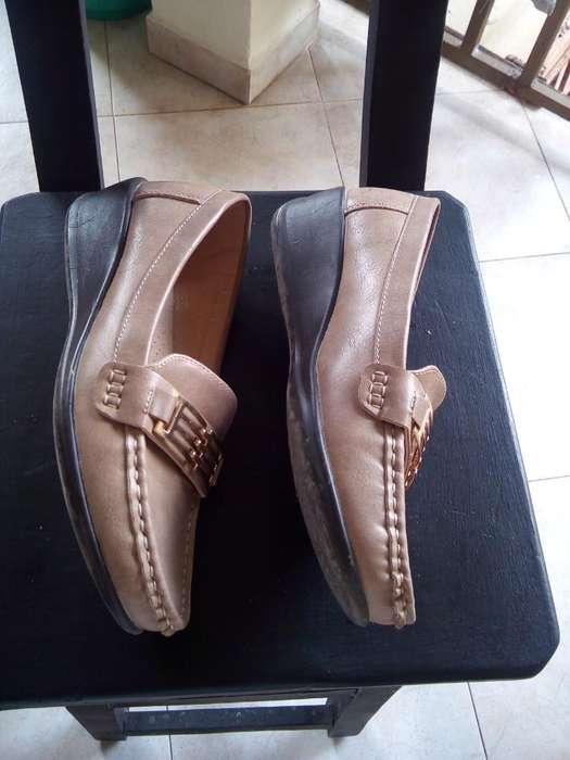 Se Venden Zapatos de Dama Talla 38