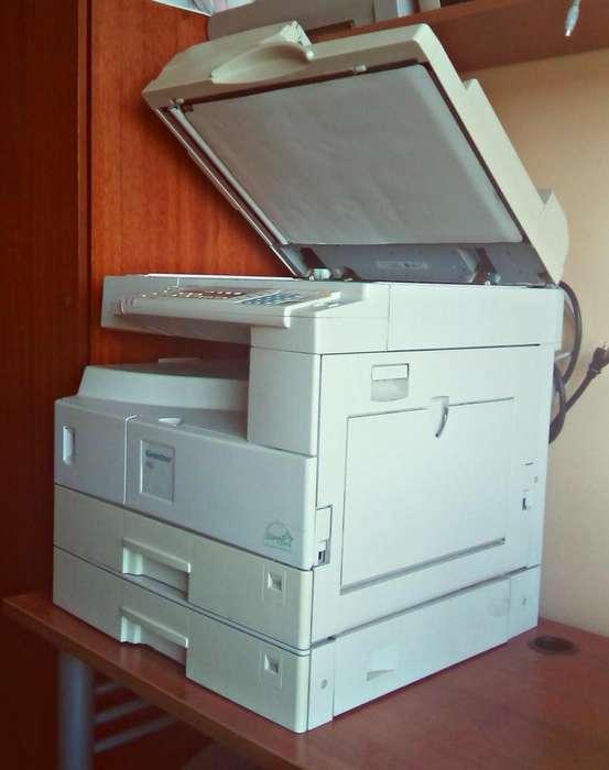 Excelente fotocopiadora Ricoh Aficio (Gestetner 1802) de ocasión