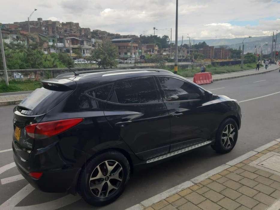 Hyundai Tucson ix-35 2011 - 87000 km