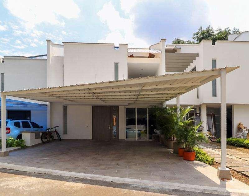 Casa Condominio En Venta En Cali <strong>ciudad</strong> Jardín Cod. VBCMC7574