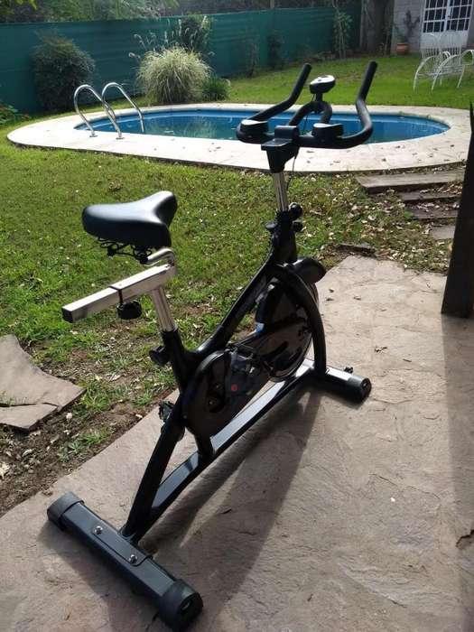 Bicicleta Fija Tomaselli casi nueva!!