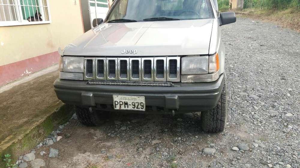 JEEP Cherokee 1995 - 100000 km