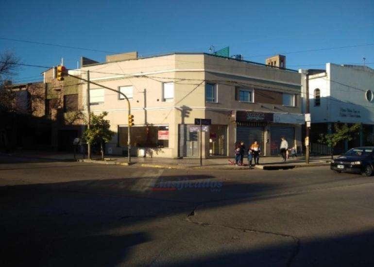LOCAL COMERCIAL EN INMEJORABLE ZONA!!! BV. LOS GRANADEROS ESQUINA C. SAAVEDRA