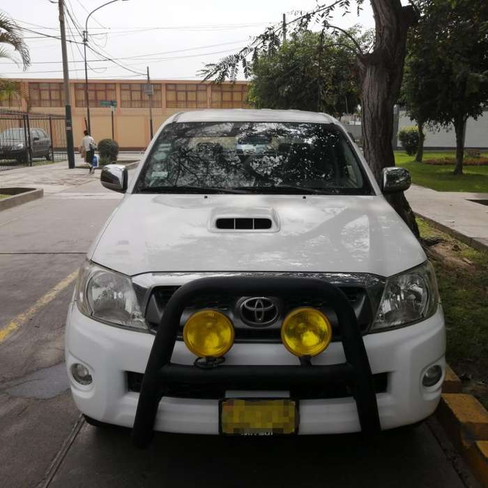 Toyota Hilux 2009 - 90000 km