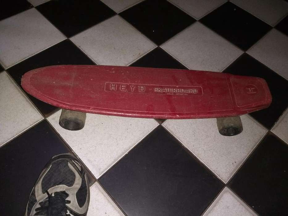 Skate Antiguo Decada 1980 Rodando Perfec