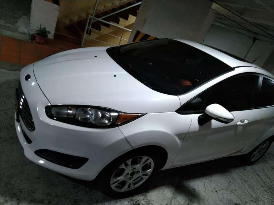 Ford Fiesta  2014 - 53000 km