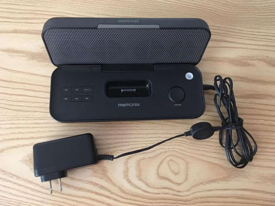 Parlante para <strong>ipod</strong> y/o iPhone con conector de 30 pines, no es bluetooth.
