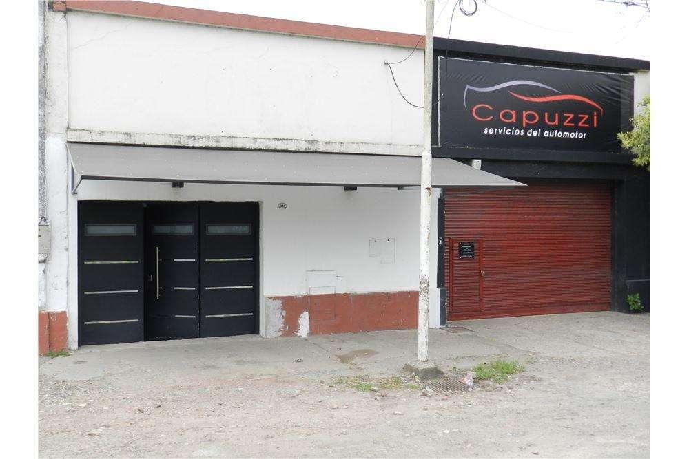 Venta Casa con local comercial