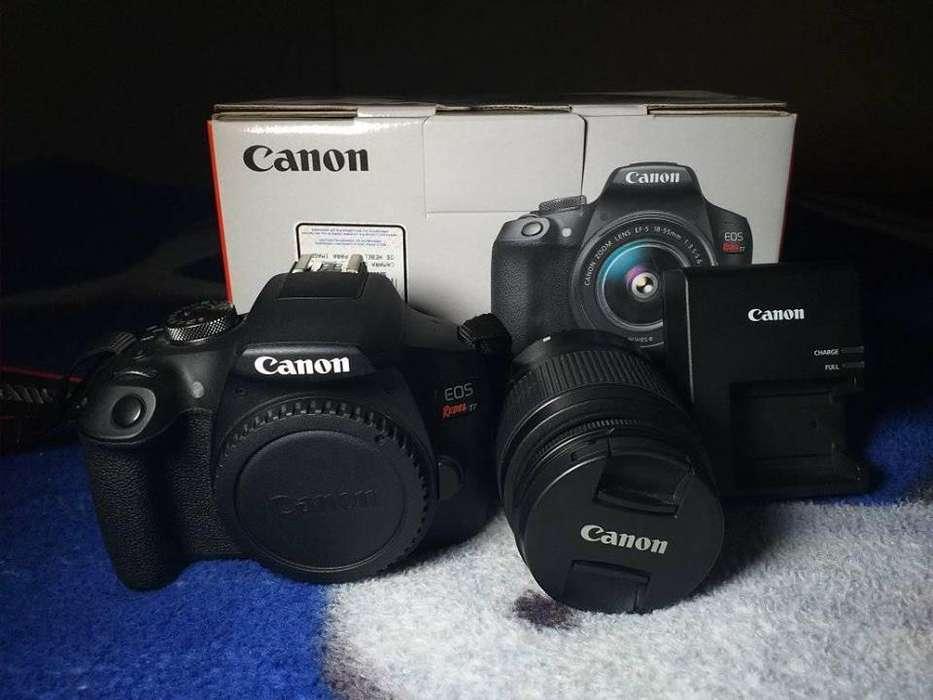 Canon Rebel T7 --