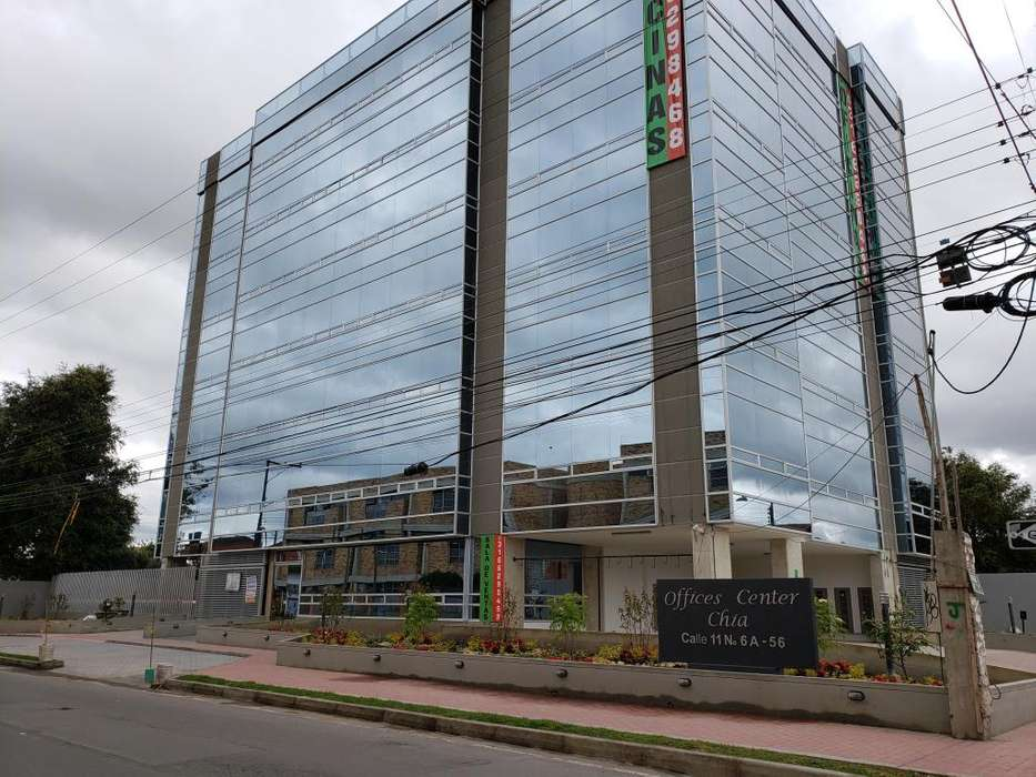 Arriendo oficina nueva centro de Chia