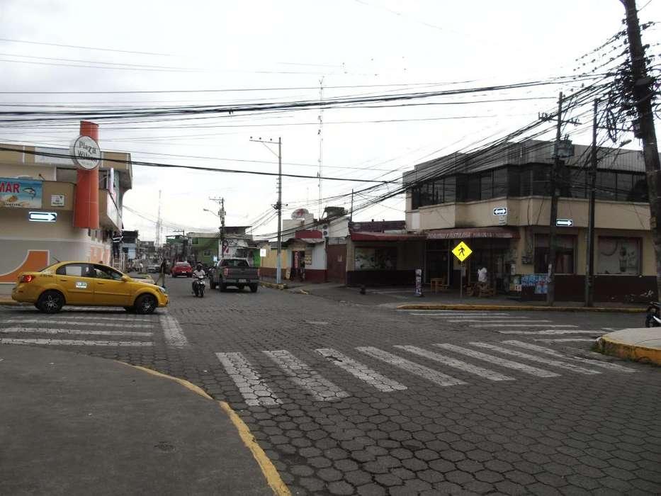 ¡Arriendo local comercial de 180 m² en la Av. Guayaquil y Mulaute segundo piso!