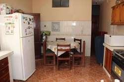 OPORTUNIDAD INVERSIONISTAS ! VENDO CASA DE 3 PISOS - 196.54 m2 (9 DORM.)  COCHERA - PUEBLO LIBRE