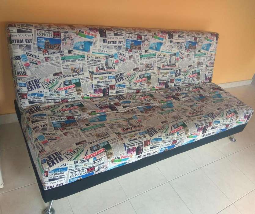 Sofa Cama estampado de periódico