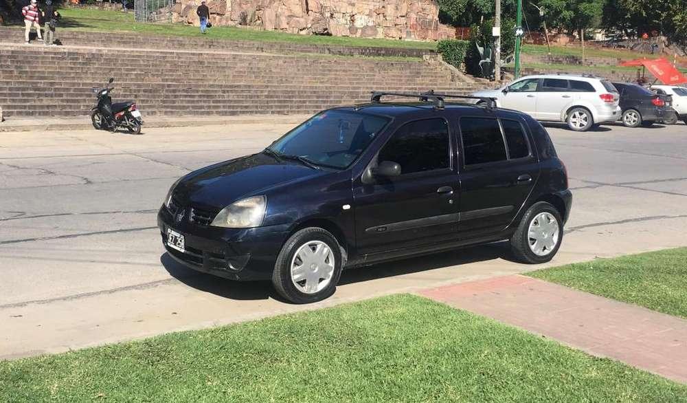 Renault Clio  2010 - 152000 km