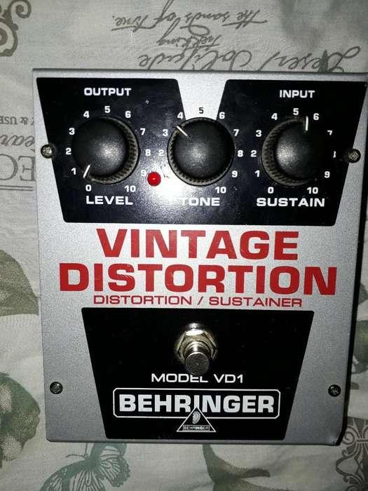 Pedal Vintage Distortion Behringer
