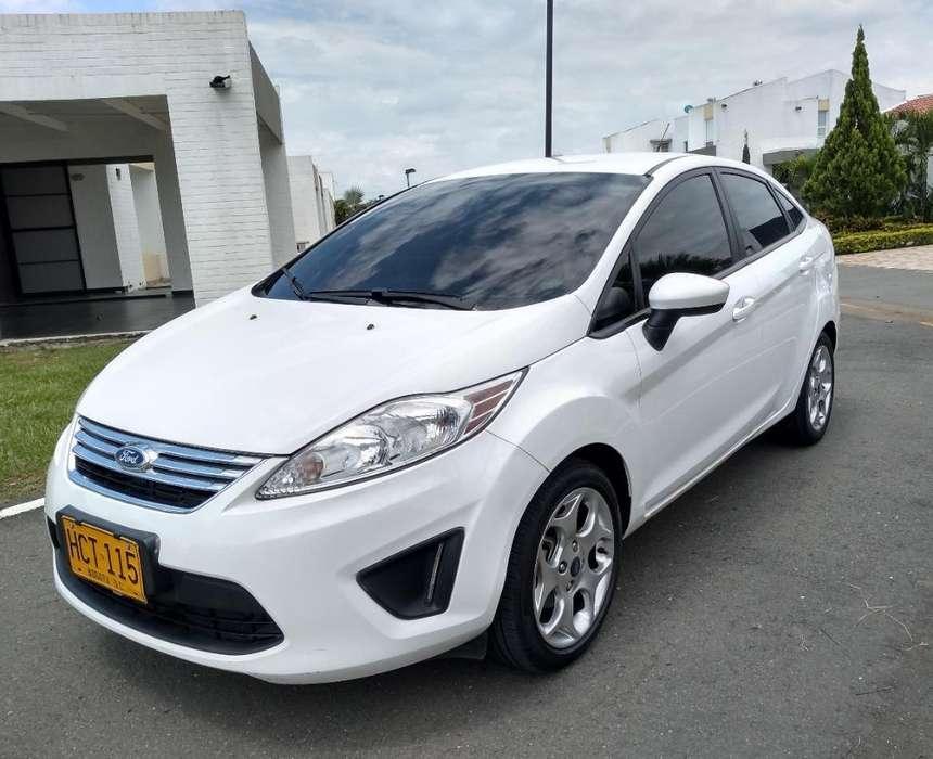 Ford Fiesta  2013 - 67000 km
