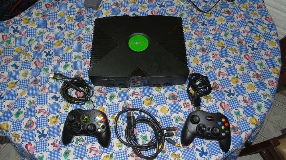 Vendo Xbox Clásico con 29 Juegos
