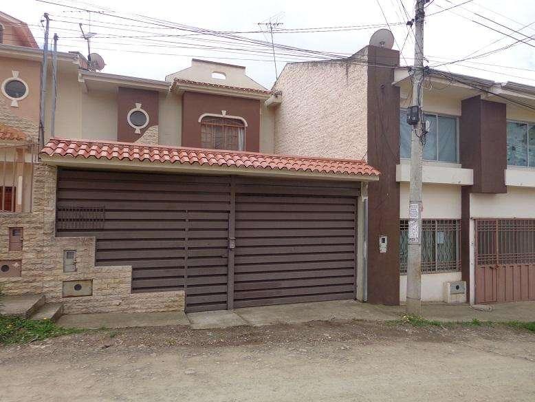 Rento casa de 4 Dormitorios sector Cebollar