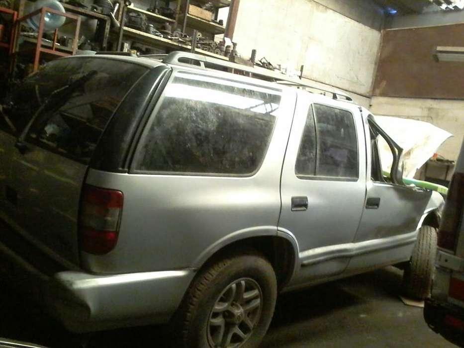 Chevrolet Blazer Modelo 2000. ¿Que necesitas?